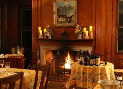 Clamber Hill Inn & Restaurant fireplace