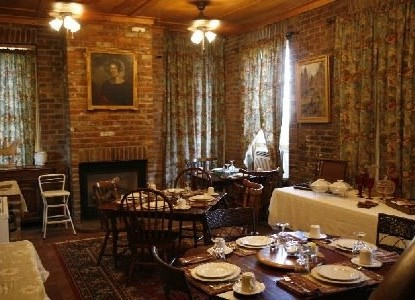 Susanna's Guest House breakfast room