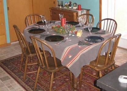 Blackberry Ridge Inn dining table