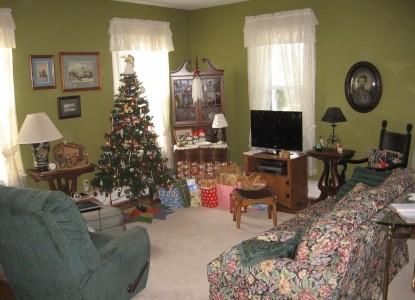 Blackberry Ridge Inn christmas tree
