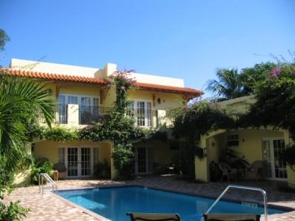 Grandview Gardens Bed & Breakfast, swimming pool