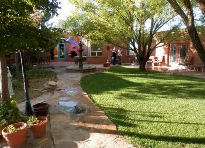Heward House at Holbrook Bed & Breakfast, Courtyard