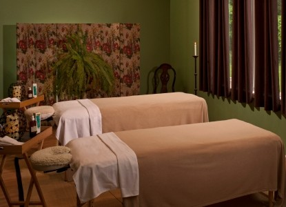 Castle in the Country Bed & Breakfast Inn-massage beds