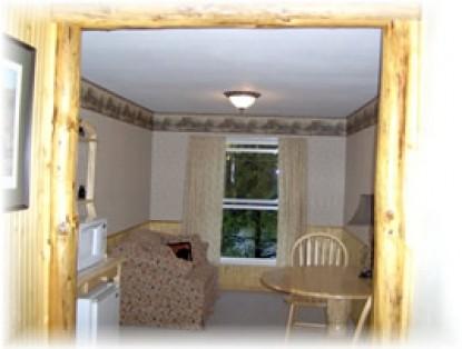 Clackamas River House, The log cabin room