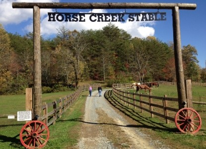 Horse Creek Stable Bed and Breakfast front sign