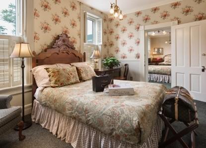 The Washington House Inn bedroom