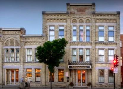 The Washington House Inn front of inn