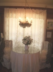 Miss Lissia's Carriage House/Cottage table
