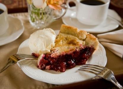 Berry Manor Inn-Pie