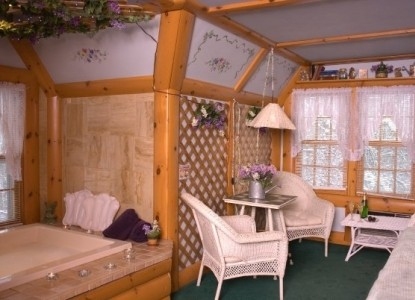Lazy Cloud Lodge, Tiffany Garden Suite