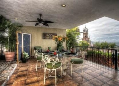 Casa Amorita,  deck
