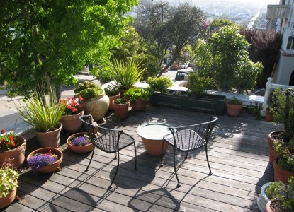 Dolores Place, patio