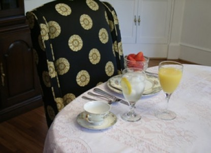 The Irish Rose Bed and Breakfast-Dining Table