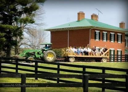 Marriott Ranch & Inn at Fairfield Farm, farm trailer