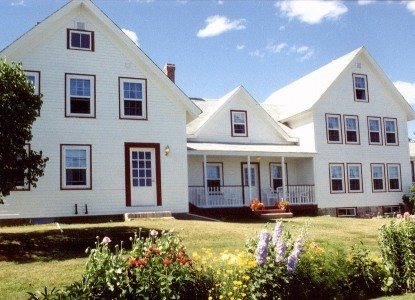 Acadia's Oceanside Meadows Inn, front view