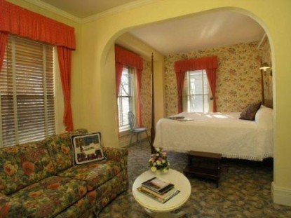 Sandaway Waterfront Lodging-Suite
