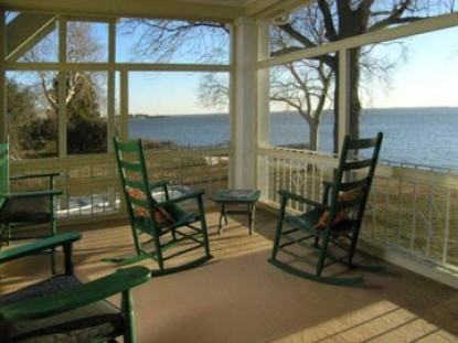Sandaway Waterfront Lodging-Beach View