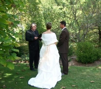 The Hummingbird Inn-Couple