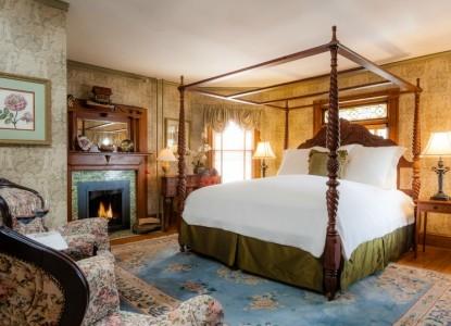 The Village Inn of Woodstock bedroom