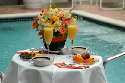 SoBeYou Tropical Bed and Breakfast, Poolside Breakfast