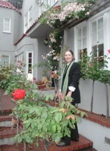 My Rose Garden Guest Rooms, garden