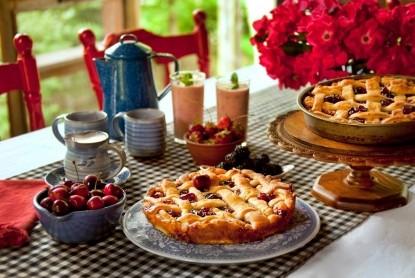 Snug Hollow Farm Bed & Breakfast, pie