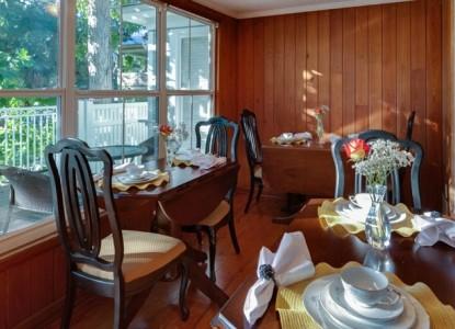 SeaGlass Inn Breakfast Room, dining
