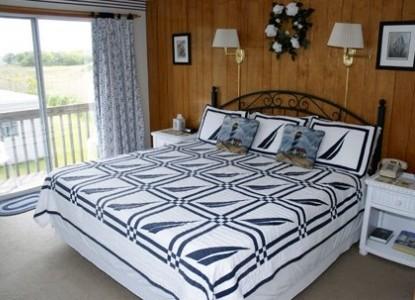 A Cape Cod Ocean Manor Bedroom