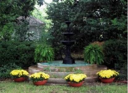Belle Oaks Inn Bed and Breakfast Gonzales, Texas - fountain
