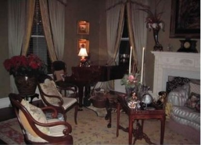 Belle Oaks Inn Bed and Breakfast Gonzales, Texas - piano in parlor