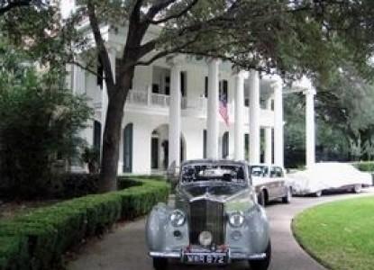 Belle Oaks Inn Bed and Breakfast Gonzales, Texas - Rolls Royce