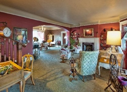 The Maxwell House Bed and Breakfast Inn accomodations