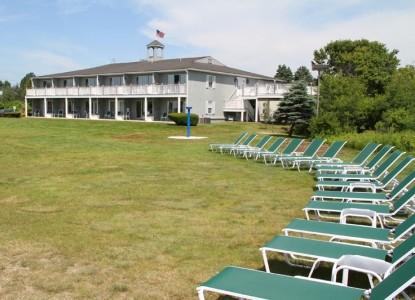 Seaside Inn outdoor space that is great for weddings