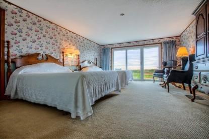 Seaside Inn room