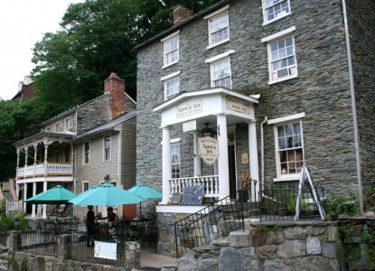 Historic Inn located near the Appalachian Trail, just steps from the confluence of the Potomac & Shenandoah Rivers.
