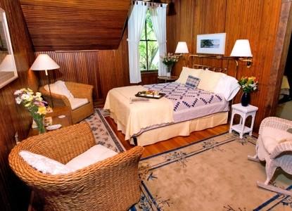 Magnolia Springs Bed & Breakfast Harding suite bedroom