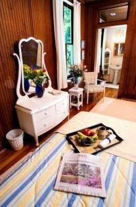 Magnolia Springs Bed & Breakfast, vanity set