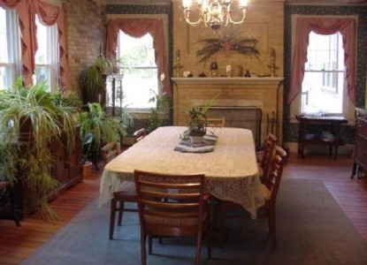 The Seven Hearths Bed & Breakfast-Dining Table