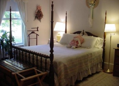 The Seven Hearths Bed and Breakfast peach blossom room