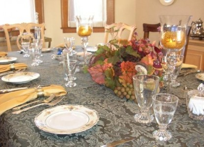 Magnolia House Bed & Breakfast dining table