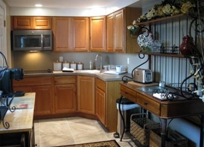 The White Rose Bed and Breakfast, guest suite kitchen