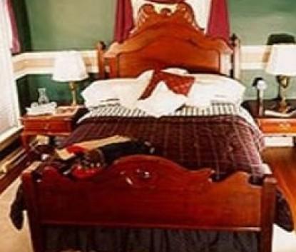 Montclair Bed & Breakfast guest room