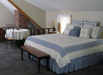 The White Rose Bed and Breakfast, guest house bed