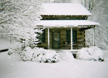 Lairdland Farm Bed & Breakfast Cabins, cabin in snow