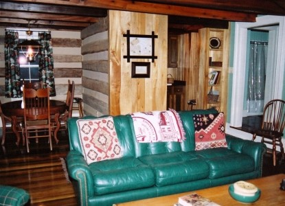 Lairdland Farm Bed & Breakfast Cabins,  Springhouse Cabin