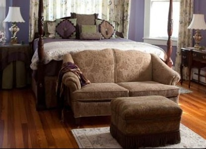 Elizabeth Leigh Inn Bed & Breakfast lavendar room