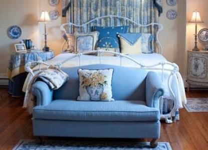 Elizabeth Leigh Inn Bed & Breakfast blue room