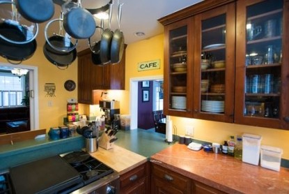 Purple Mountain Bed and Breakfast & Spa cafe