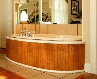 The Empress of Little Rock Majestic room tub
