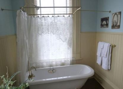 The Empress of Little Rock James Hornibrook Bathroom